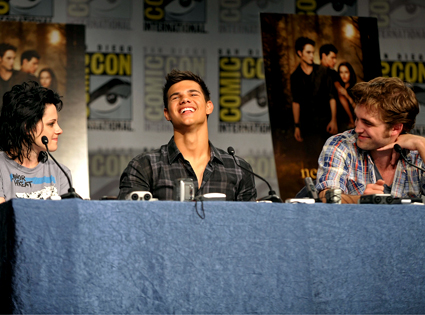 425_stewart_lautner_pattinson_072309